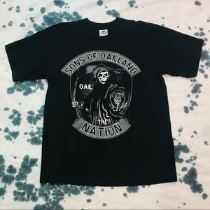 """Raiders """"Sons of The Oakland Nation"""" Skull T-Shirt"""